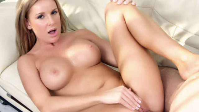 Huge-boobed Platinum-blonde Mother I'd Like To Have Sex With Laura Monroe