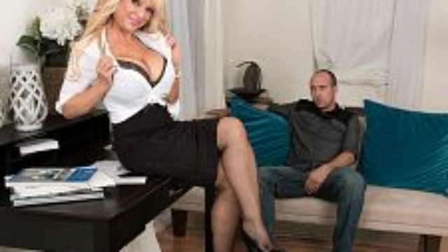 Big-boobed Cougar's First-ever Time