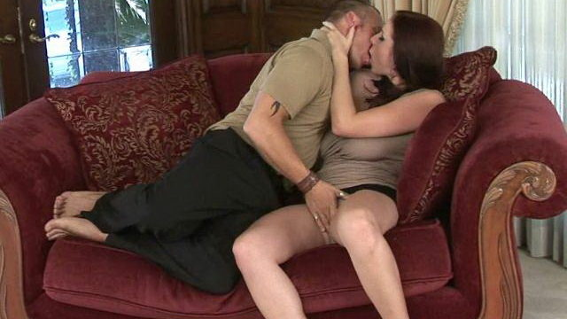 Extraordinaire Mature Stunner Gianna Michaels Stroking A Phat Man Meat At The Sofa