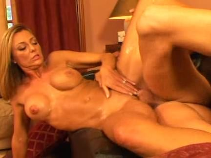 Youthfull Man Screws Insatiable Mother I'd Like To Have Sex With