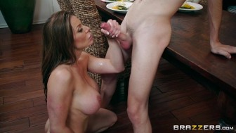 Brazzers – Kendra's Thanksgiving Jamming