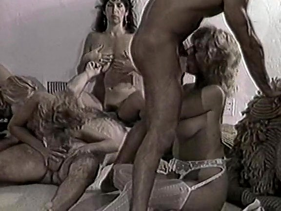 Gina Carrera, Stacey Wells, Gary West In Old-school Hardcore Episode