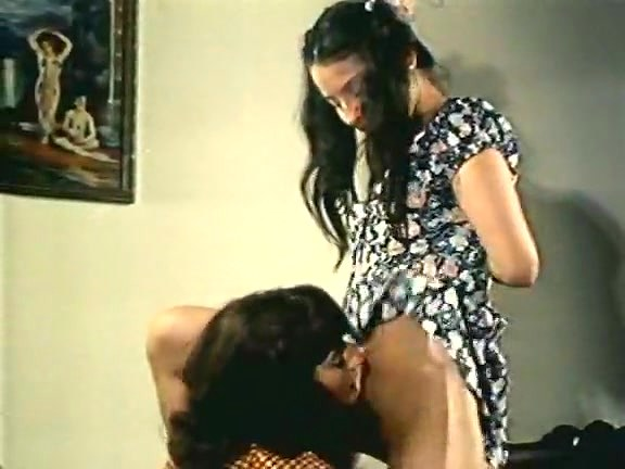 Spring Finlay, Justina Lynn, Kris Ware In Old School X-rated Clamp